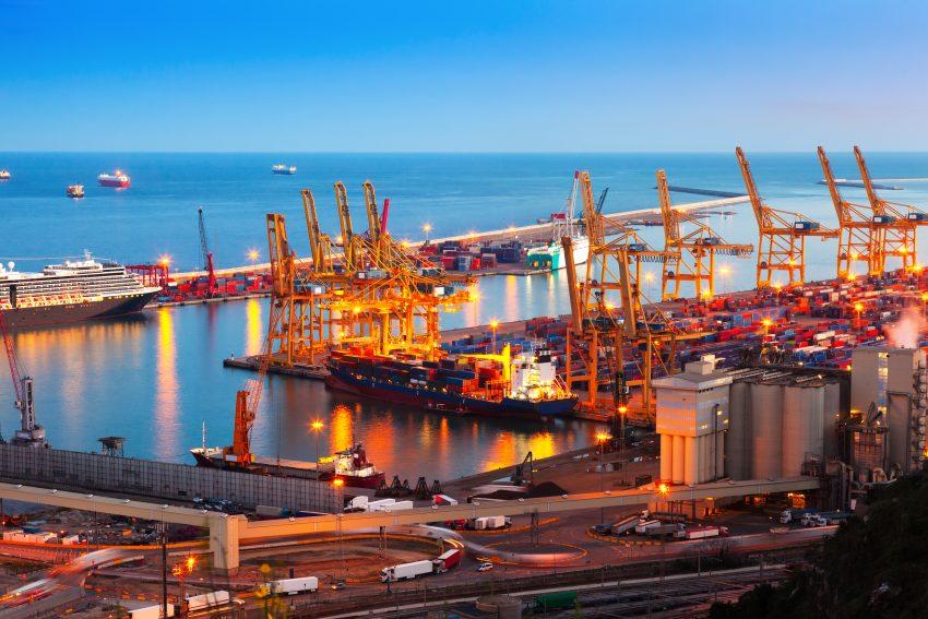 Porto do Paranaguá recebe altas importações de ureia e cloreto de potássio em setembro